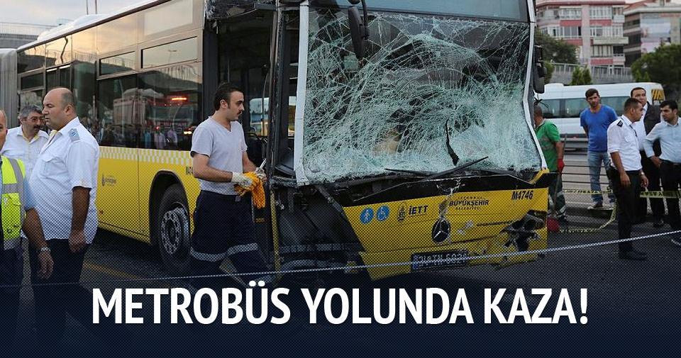 Metrobüs yolu trafiğe kapandı!