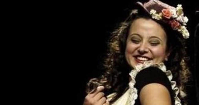 Devlet Tiyatrosu sanatçısı Yasemin Erbulun yaşamını yitirdi