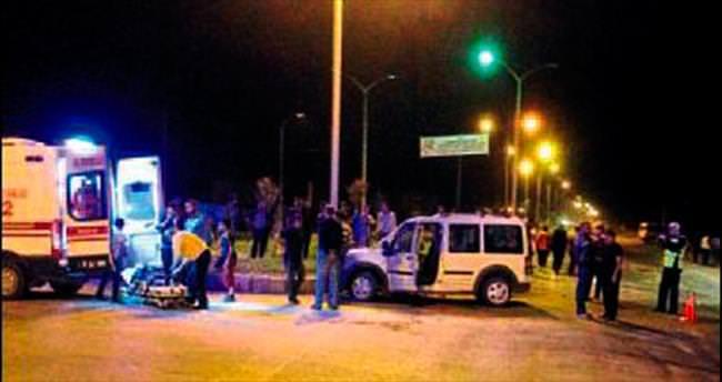 Aynı kazada 9 kişi ölümden döndü