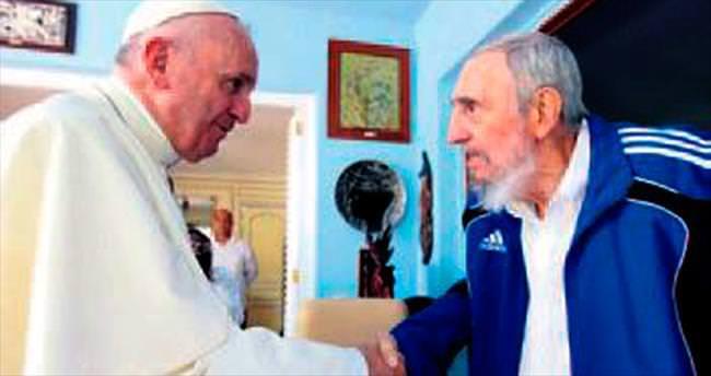 Papa, Havana'da Castro ile görüştü