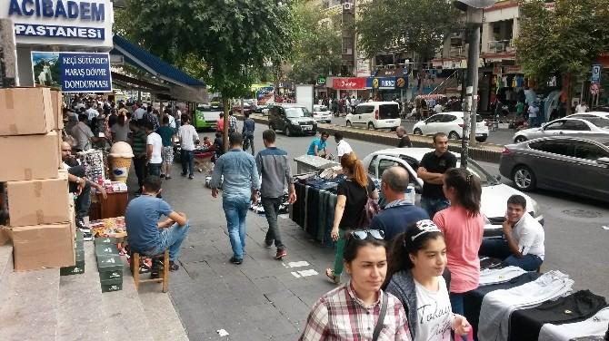 Bayram Alışverişleri 'Kaldırıma' Taşındı