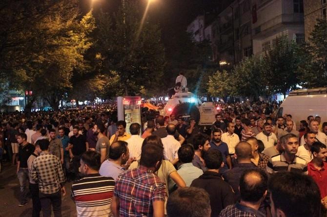 Kırşehir'de Bayrak Eylemi Sonrasında Çıkan Olaylarla İlgili Olarak 13 Kişi Tutuklandı