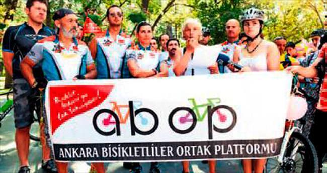 'Süslü kadınlar' başkentte pedalladı