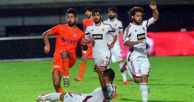 Antalyaspor son dakikada turladı