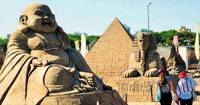 Kum heykellerde sezon uzatıldı