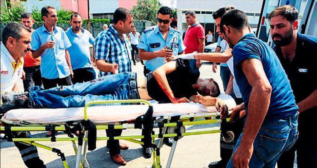 Ağabeyini yaralayan genci yolda öldürdü