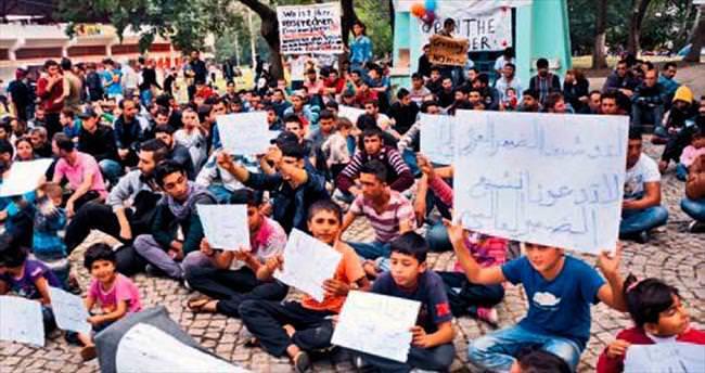 Edirne'deki sığınmacılar oturma eylemi yaptı