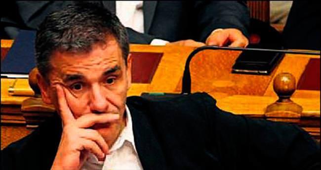 Yunan ekonomisi Çakalotos'a emanet
