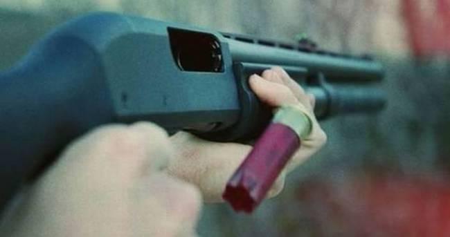 Tüfekle oynayan çocuk akrabasını öldürdü!