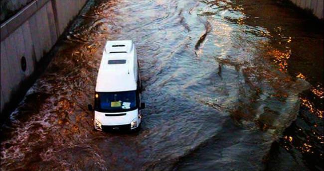 Deneyimliler gitti Adana'yı su bastı