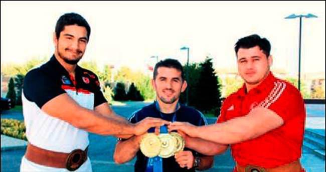 Altın güreşçiler rotayı Rio 2016'ya çevirdiler