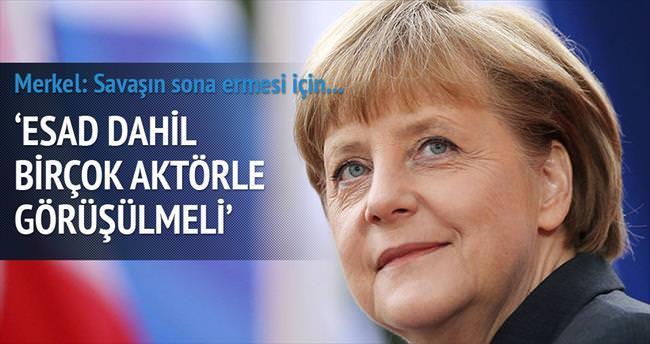 Merkel: Esad ile görüşülmeli