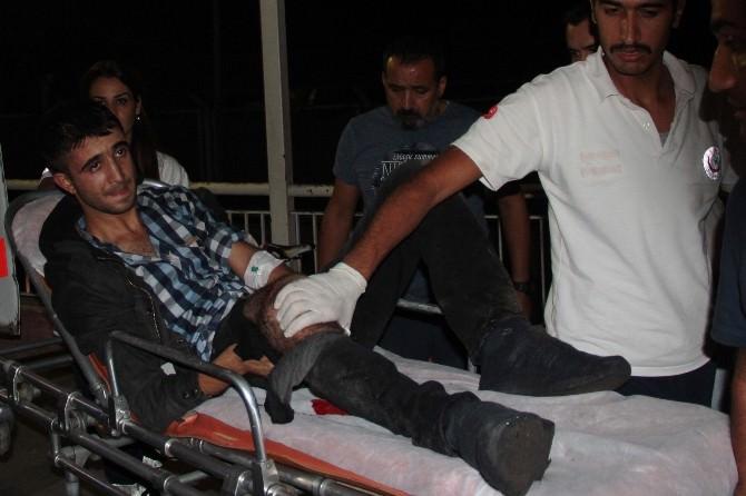 Adana'da Polise Ateş Açan 2 Gösterici Bacağından Vuruldu