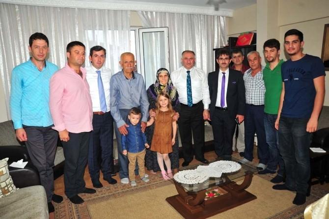 Başkan Çağlayan, Şehit Ailelerini Ziyaret Etti
