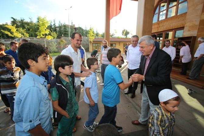 Başkan Karaosmanoğlu Çocuklarla Bayramlaştı