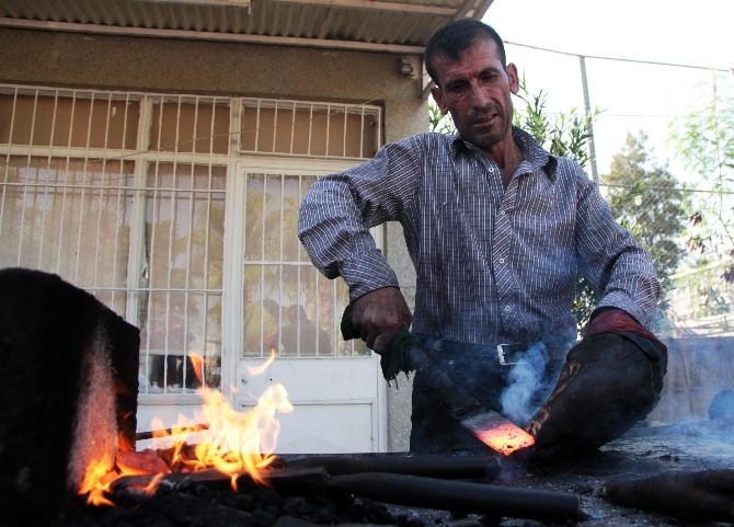 Kahvehaneciler Bayramda 'Kelle Ütücü' Oldu