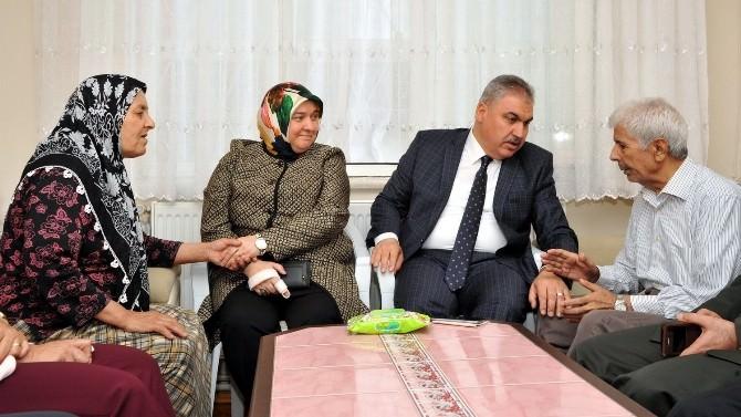 Uşak'ta Kurban Bayramı'nda Şehit Aileleri Ve Gaziler Unutulmadı