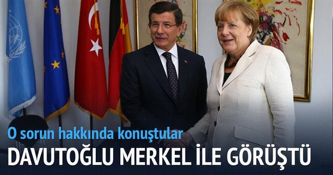 Başbakan Davutoğlu Merkel'le görüştü