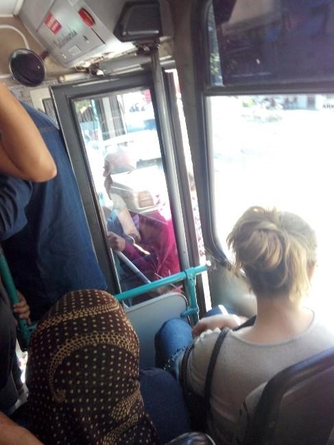 Antalya'da Halk Otobüsünde Tehlikeli Yolculuk