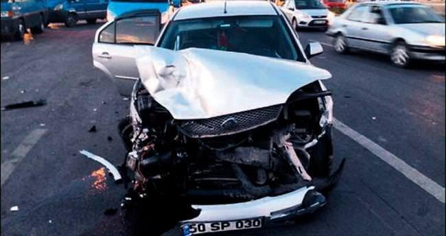 Üç farklı kazada 15 kişi yaralandı