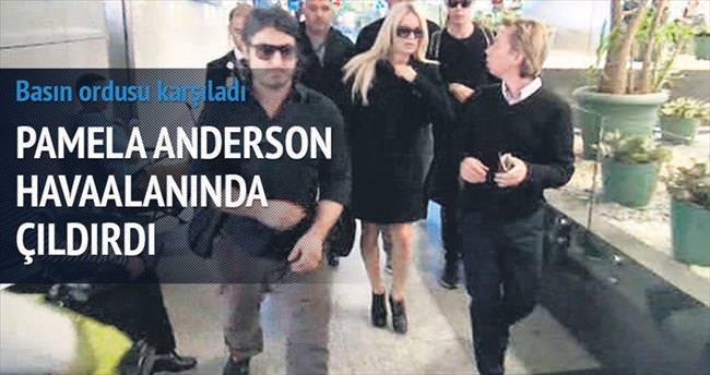 Pamela Anderson'ı kızdıran 40 dakika