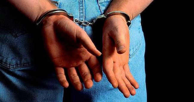 Zorla öpmeye 9 yıl hapis