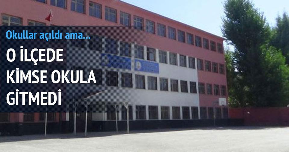 Yüksekova'da okullar boş kaldı