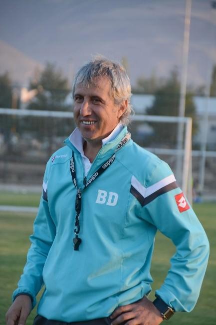 """Bb Erzurumspor Teknik Direktörü Durmuş: """"Şampiyonluk Yolunda Önemli Galibiyet Aldık"""""""
