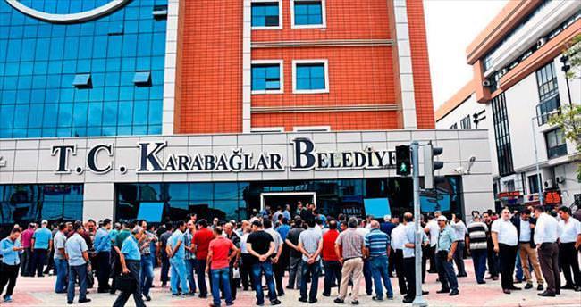 İşçiler, Karabağlar Belediyesi'ni bastı