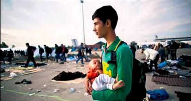500 bin göçmen Akdeniz'i geçti