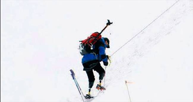 Engelliler için Everest yasağı...