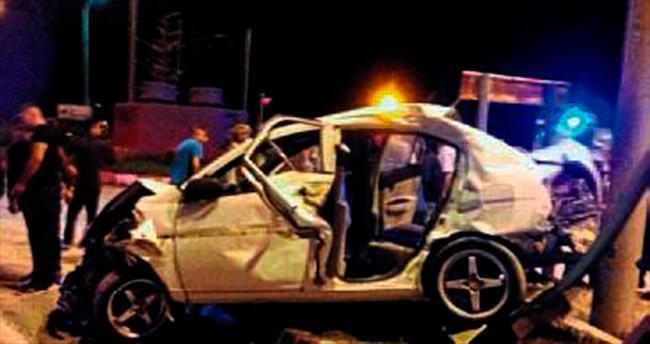 Otomobil kamyon ile çarpıştı: 2 yaralı