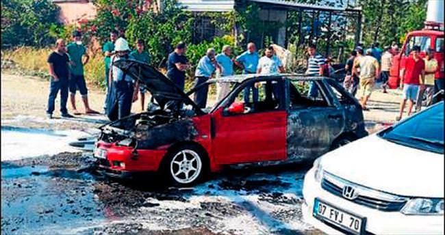 Seyir halindeki otomobil yandı