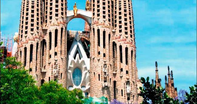 Heykeltıraş ve ressamların sihirli şehrine davet