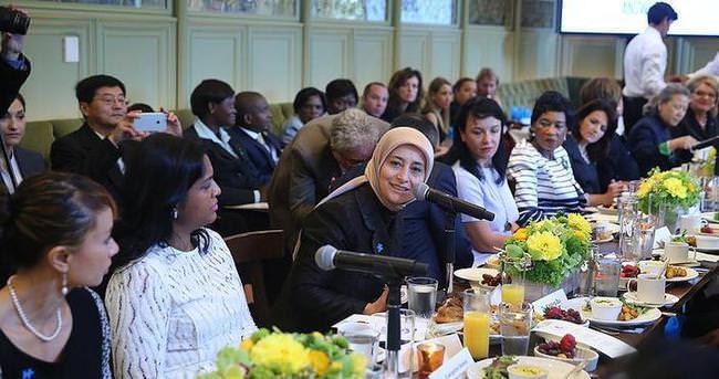 Sare Davutoğlu Otizm panelinde konuştu