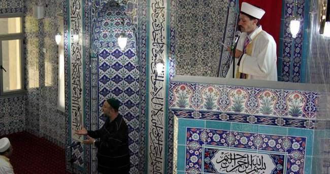 Fatih Camisi'nde işaret diliyle hutbe!