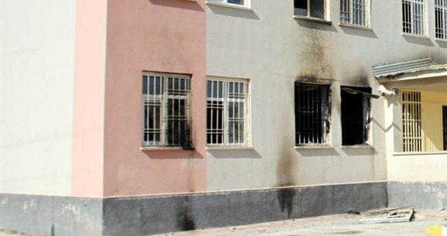 PKK yandaşlarından sağlık ocağı ve okula saldırı