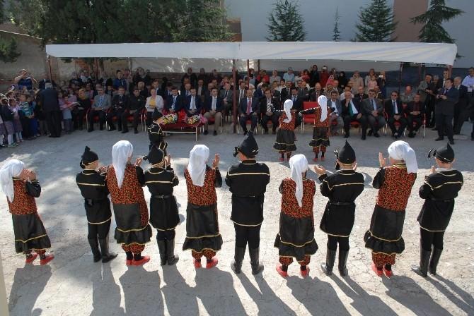 Bolvadin'de İlköğretim Haftası Kutlaması Yapıldı