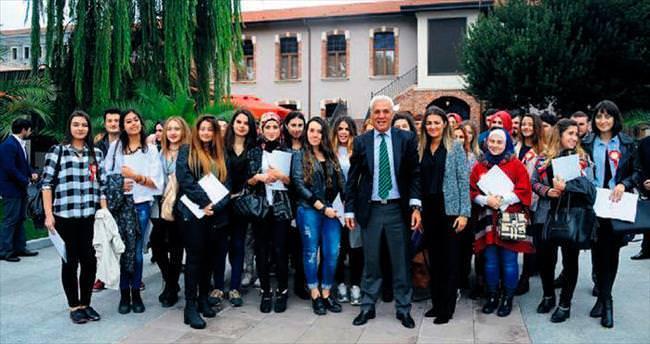 Faruk Saraç'ın moda ordusu yola çıktı