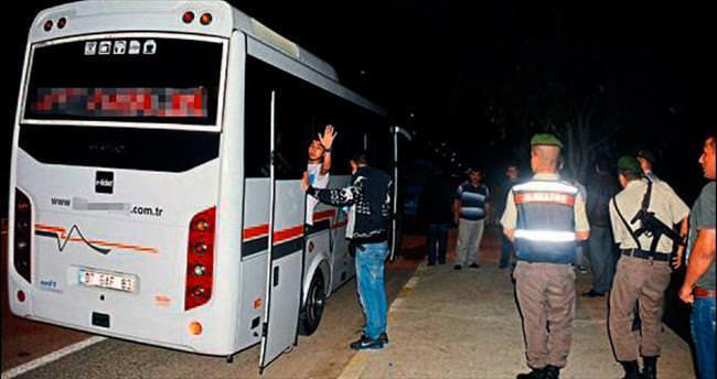 Antalya'da 42 sığınmacı yakalandı