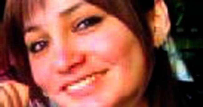 Kadın öğretmen evinde ölü bulundu