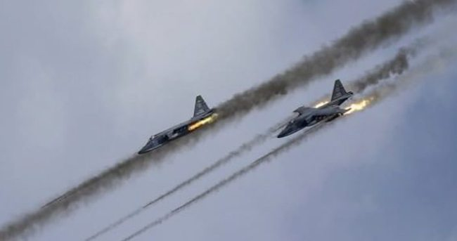 Rus jetleri Rakka'yı vurdu!