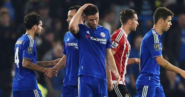 Chelsea'ye bir darbe daha