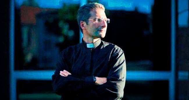 Eşcinselim dedi Vatikan'dan kovuldu