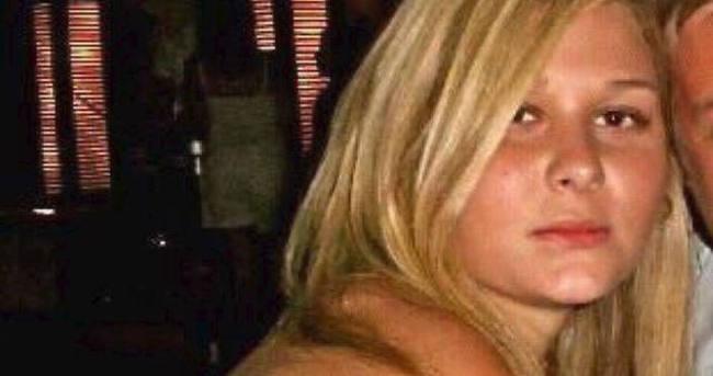 Kapıyı açan anne kızının cesedini buldu!