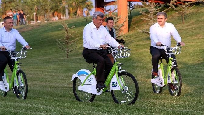 """Başkan Karaosmanoğlu, """"Sağlıklı Yaşam İçin Bisiklete Binin"""" Dedi"""