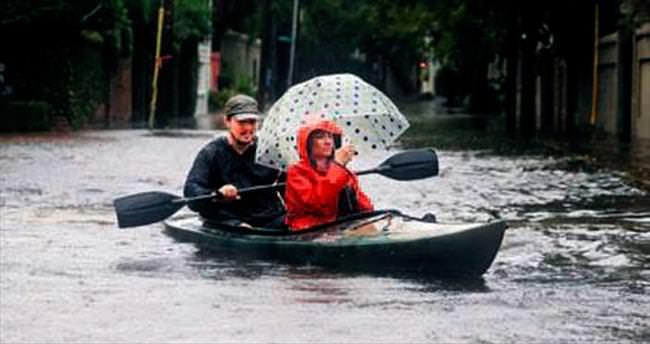 Güney Carolina'da sokaklar göle döndü