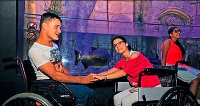 Büyükşehir'den engelli çifte balayı