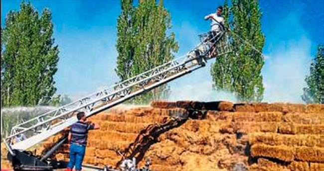 3 bin balya saman yangında kül oldu