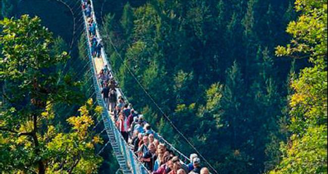 365 metrelik asma köprü